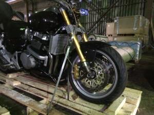 Растяжка мотоцикла на паллете